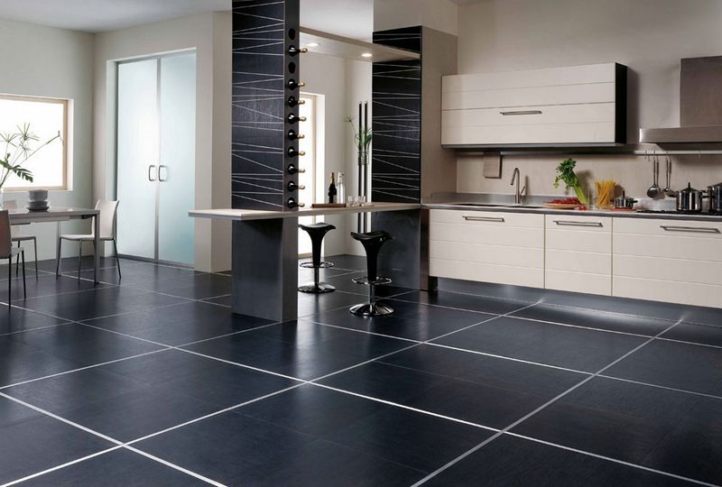 Lantai Hitam Di Dapur