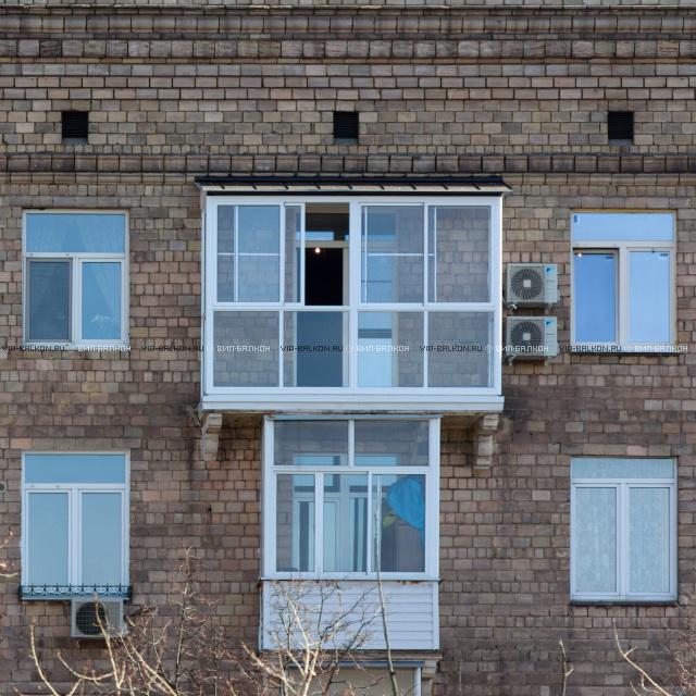 Okna W Domu Są Od Podłogi Do Sufitu Szklenie Francuskie Z